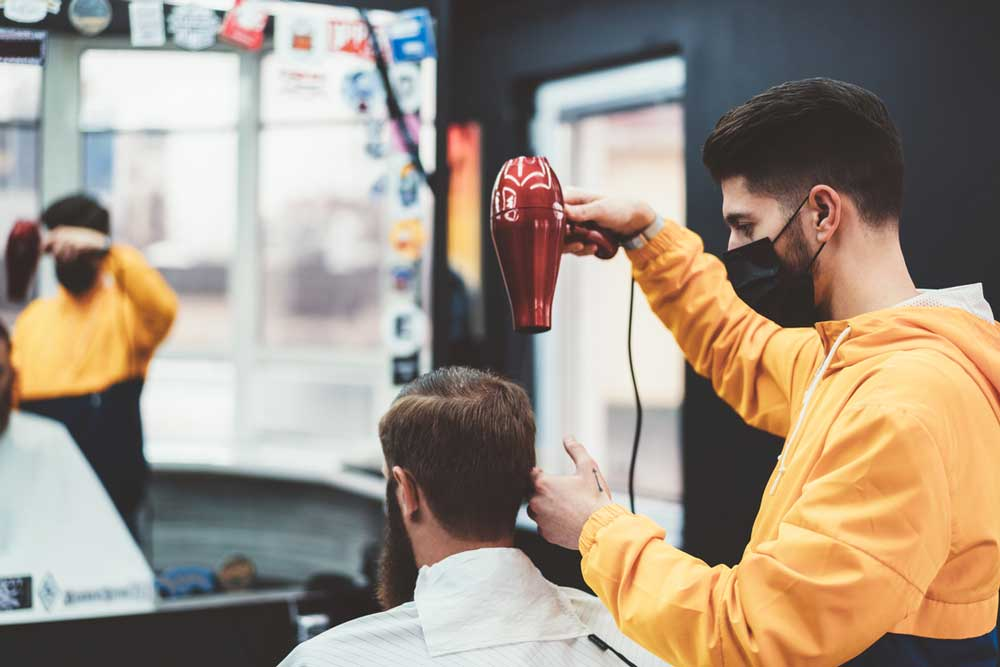 درآمد آرایشگری در کانادا